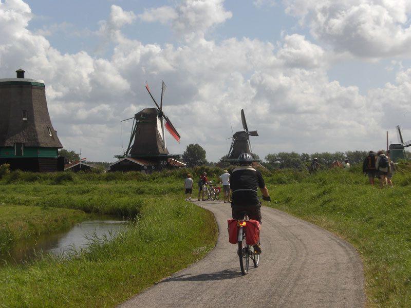 MS SERENA Barco y Bicicleta