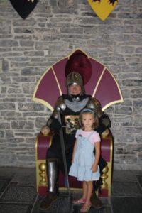 El caballero recibe a la princesa Yaiza.