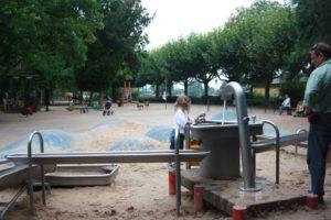 Juegos didácticos a orillas del río Meno. Frankfurt