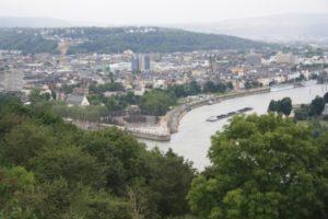 Vistas de Coblenza desde la plataforma  de la  fortaleza de Ehenbreitstein