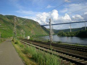 Rio en bicicleta de Trier-Karden a Koblenza.