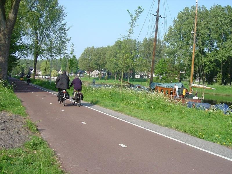 Holanda Canales