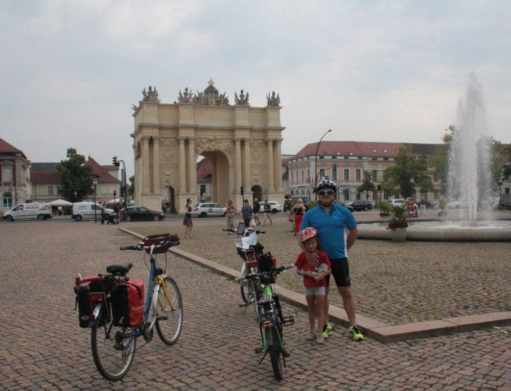 Día 2: Etapa en bicicleta: Potsdam – Brandenburgo (50 / 55 km aprox)